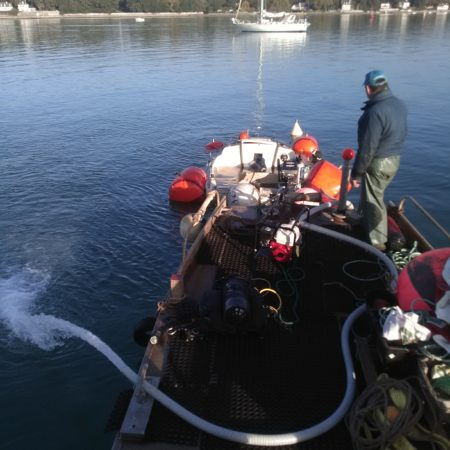 Assèchement d'un navire de plaisance coulé
