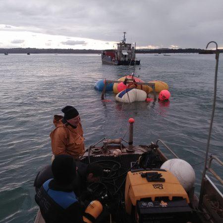Renflouement Aube avec 10 parachutes pour 35 tonnes de levage